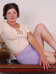chubby-secretary-naked