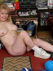 Photos Plump naked granny posing